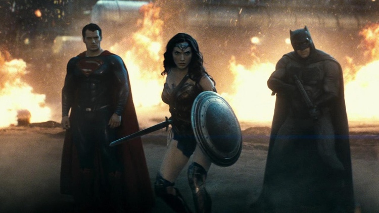 Batman-v-Superman-trailer-easter-eggs