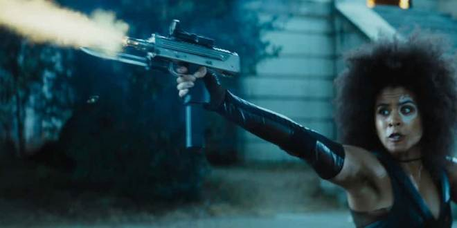Deadpool-2-Domino-firing-gun